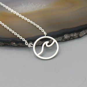 Jewelry - Wave water ocean Summer silver tone necklace